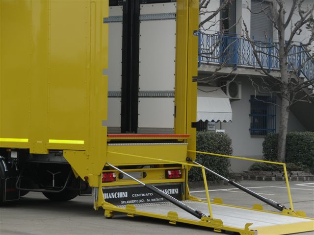 Tail Lifts for Semitrailers